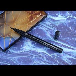 Waterproof liquid eyeliner pen 🖊